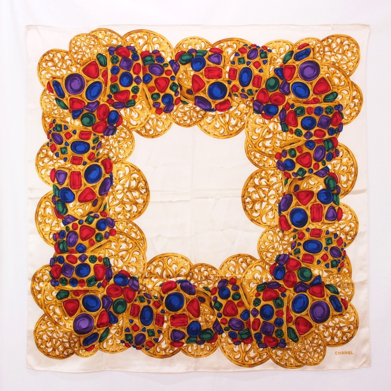 Bijoux Vintage Chanel : Vintage chanel bijoux print silk scarf nina furfur