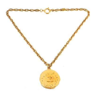 Vintage Chanel Round Coin Top Gold Chain  Necklace