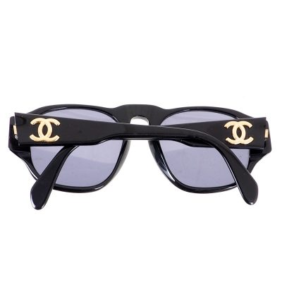 Vintage Chanel 90's Simple CC Logo Black Sunglasses