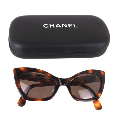 Vintage Chanel Excellent Turtoise Pattern Cat Eye  Sunglasses