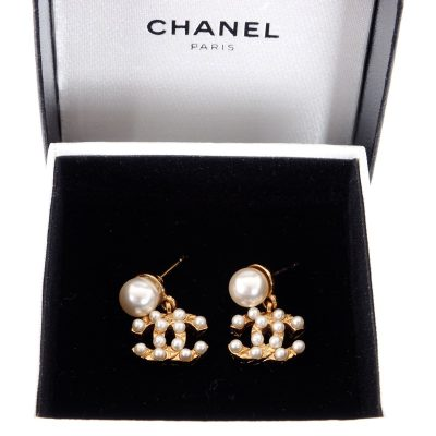 Vintage Chanel Faux Pearl Dangle 2003 Fall Winter  Earrings