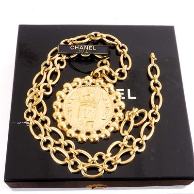 Vintage Chanel Chunky Chain Massive Medallion Cambon Necklace