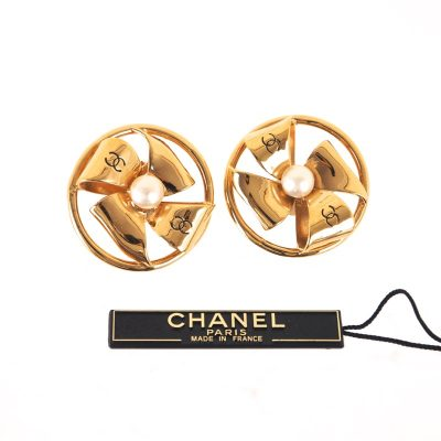 Vintage Chanel NWT Windmill Motif Large Faux Pearl  Earrings