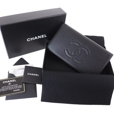 Vintage Chanel Caviar Excellent Signature Wallet