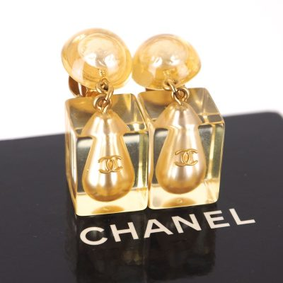 Vintage Chanel 97P Faux Pearl Tear Drop Acrylic Earrings