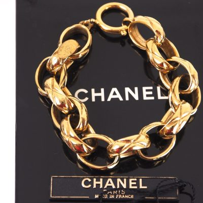 Vintage Chanel Quilted Chain NWT NIB Gold  Bracelet