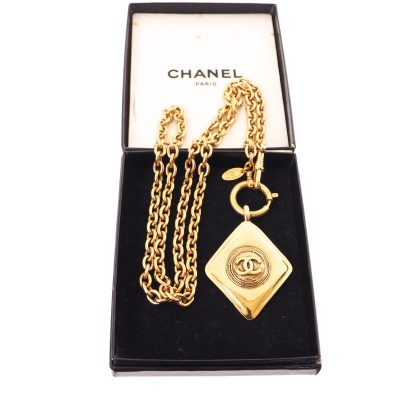Vintage Chanel Mint Excellent Gold Diamond Shaped Charm Chain Necklace