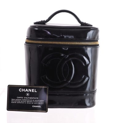 Vintage Chanel Patent Leather Signature Vanity Case Hand Bag