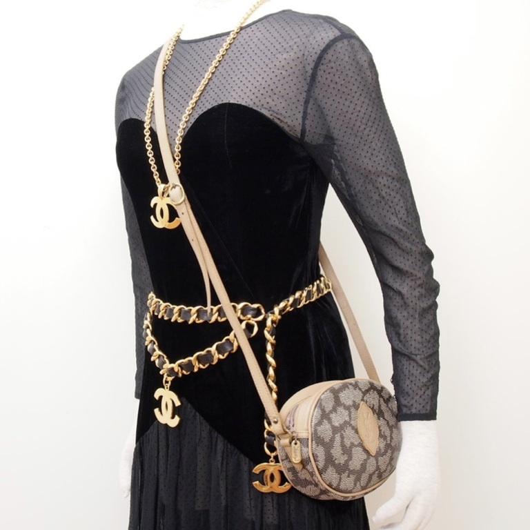 Vintage Yves Saint Laurent YSL Round Shoulder Bag Pochette Cross ...
