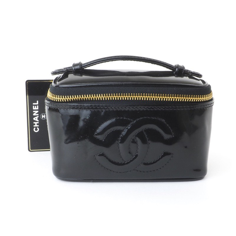 06f2eb8f6e22 Vintage Chanel Mini Patent Leather CC Logo Vanity Hand Bag - Nina ...